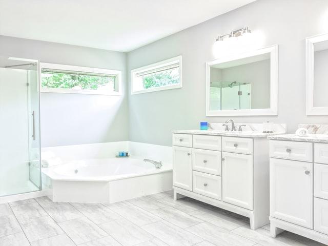 【ヒルナンデス】ダスキン掃除術|男でも簡単!浴室の黒カビ&キッチンの油汚れを落とす裏ワザ