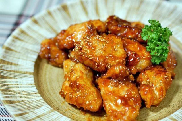 【教えてもらう前と後】韓国風甘辛ファミチキの作り方|ファミマの絶品アレンジレシピ