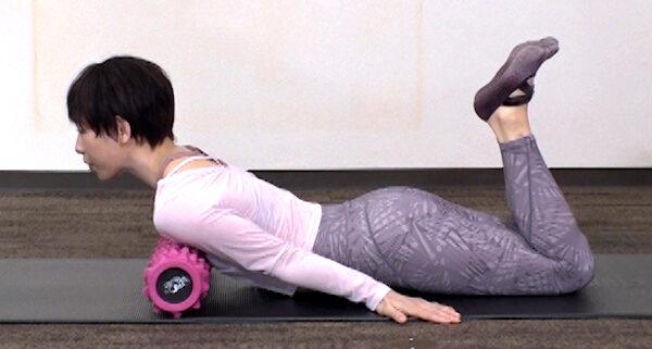 【土曜は何する】ほぐピラのやり方|筋膜・筋肉をほぐすピラティスで1日5分で理想のボディライン