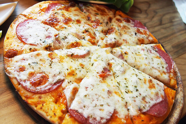 【せっかくグルメ】神戸『牧場チーズピザ(弓削牧場)』の通販お取り寄せ|竹内涼真さん&横澤夏子さんが絶賛