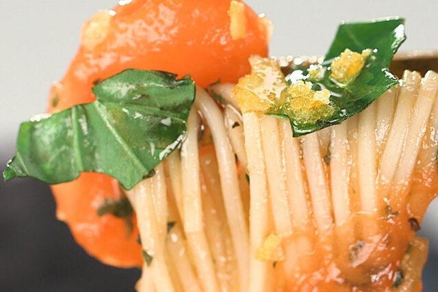 【家事ヤロウ】冷やしトマトバジルそばのレシピ|DEEN池森秀一さんのアレンジ蕎麦