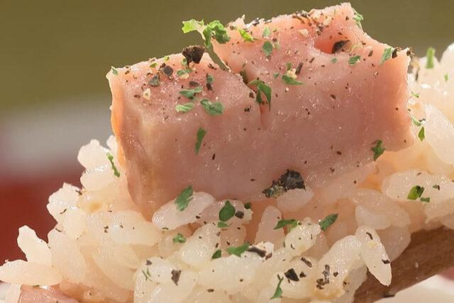 【家事ヤロウ】カルボナーラ飯のレシピ|炊飯器に入れて炊くだけ炊き込みご飯