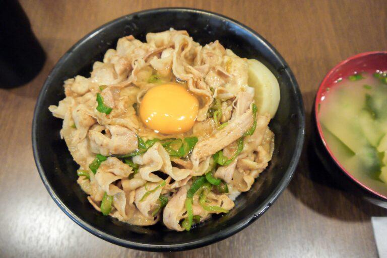 【家事ヤロウ】秒すた丼(豚丼)のレシピ|和田明日香さんのすぐ作れるボリューム満点レシピ